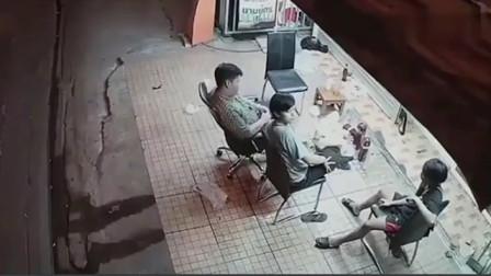 人在家中坐,祸从天上来,监控拍下3男子的最后一刻