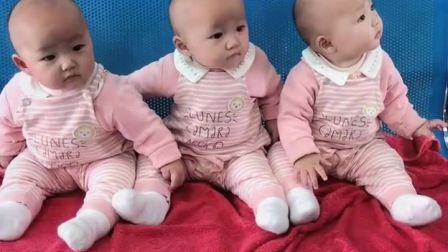 童年趣事:三胞胎走到哪里都是一道风景线!