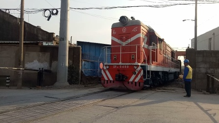 DF7C5489无锡储运公司专线送车作业