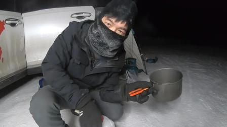 自驾旅行,我们来到了中国最冷的村庄,最低零下63度,野外露营