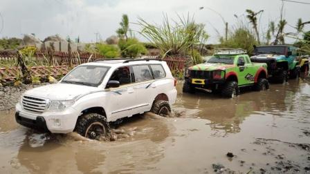 越野车玩具通过有积水的小路