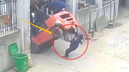 叉车失控,女子惨遭碾压,监控拍下她无知的一幕