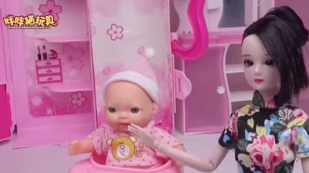 亲子早教儿童:帅气水王子照顾小宝宝,喂牛奶哄睡觉