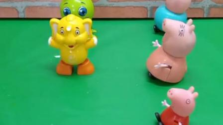 小朋友们喜欢谁的玩具?