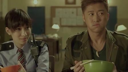 狼牙:吴京成干饭人,吃饭的这段戏太投入,吃这么一大碗还没饱