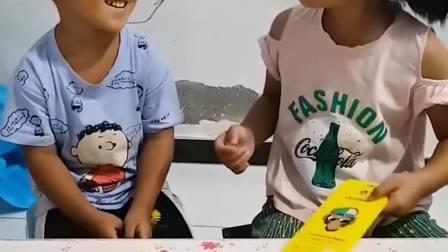 童年的记忆:弟弟真听话呀