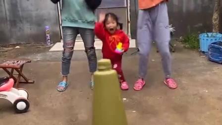 童年的记忆:宝贝们一起合作,完成任务