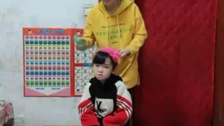 童年的记忆:宝贝是妈妈的小洋娃娃
