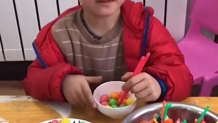童年的记忆:谁要这些棒棒糖呀