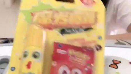 童年的记忆:润唇膏好吃吗