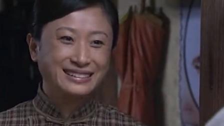 纸醉金迷:端本一大早找邻居借米,邻居当场秒懂,一举动太暖!