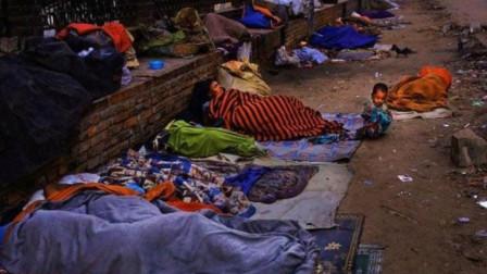 世上最脏的国家?印度都望尘莫及,街头姑娘的行为让人大开眼界