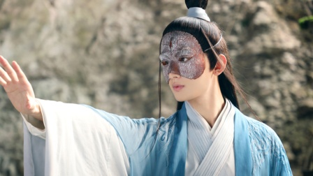 """原来成毅和袁冰妍胸口有一颗同款痣,这个痣被称为""""夫妻痣"""""""