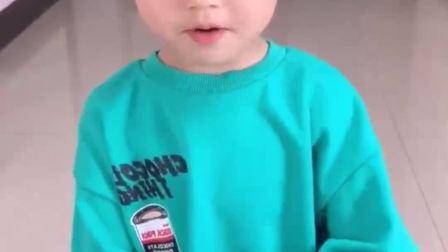 童年的记忆:爸爸把宝宝的棒棒糖弄成这样了