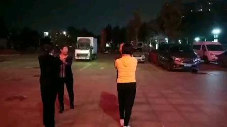 洪兰广场舞水兵舞第二套