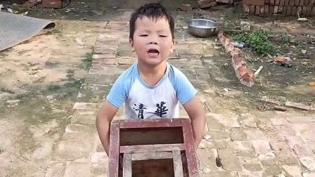 搞笑萌娃:小宝,想去接姐姐