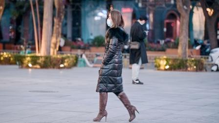喜欢长靴的姑娘很多,也会搭配出时尚的味道,细高跟更好看