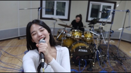 韩国小姐姐超赞翻唱《Viva La Vida》