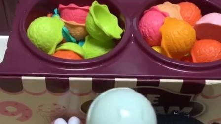 漂亮的甜筒冰淇淋来喽!