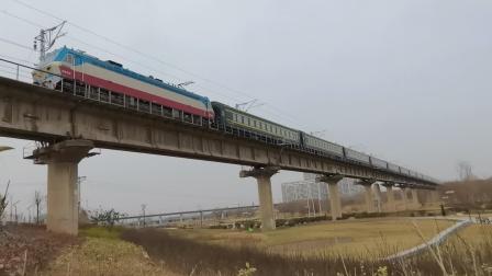 20210116_131711 西康铁路 西局西段SS7D-0002牵引K1363次(北京西-成都)通过灞桥湿地公园