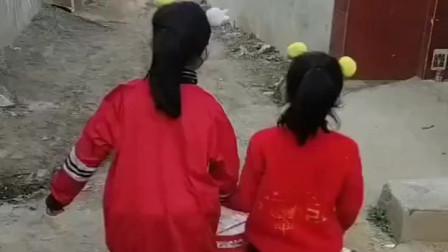淘气的童年:姐妹俩回去吃蛋糕