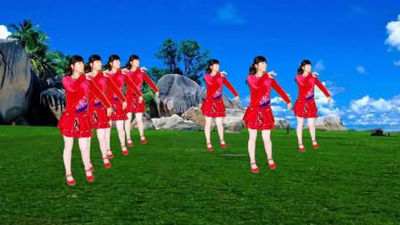 广场舞《开心又一年》歌曲欢快喜庆,舞蹈活力满满