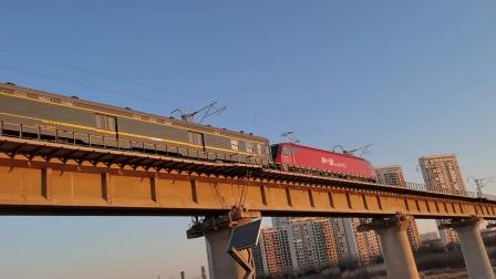 20210117_081027 西康铁路 西局西段HXD3D-0021牵引K998次(成都-海拉尔)通过灞桥湿地公园