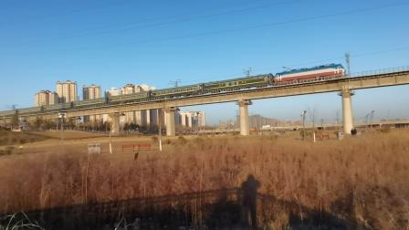 20210117_084341 西康铁路 西局西段SS7D-0042牵引K292次(成都-上海)通过灞桥湿地公园,田王站被压