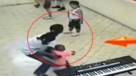 6岁小男孩的一生,就这样被妈妈给毁了,监控拍下无耻画面!
