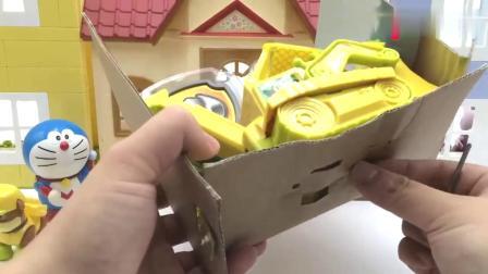有趣益智:哆啦A梦玩汪汪队立大功小力玩具车