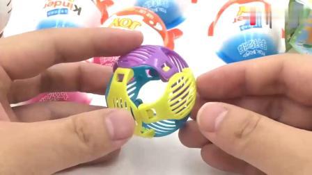 有趣益智:哆啦A梦玩转健达奇趣蛋玩具