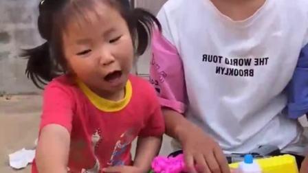 童年的记忆:妹妹的葫芦娃好看