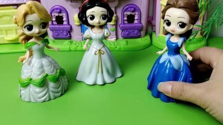 白雪和人鱼公主画的礼服,会变成真的吗