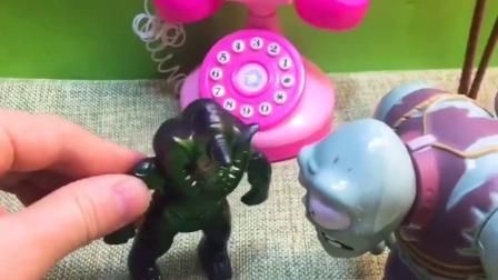怪兽又想要出来抓小朋友,巨人僵尸做好事惩罚坏人,小朋友得救了!