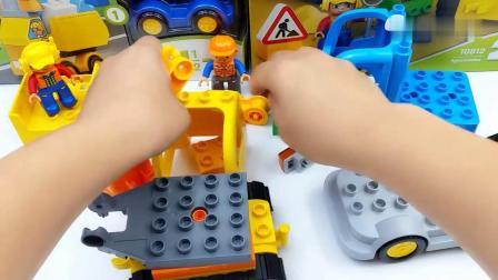早教益智:乐高儿童益智拼装积木 工程车挖掘机和卡车玩具