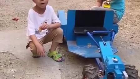 欢乐童年:宝贝开赛车去买蚊香
