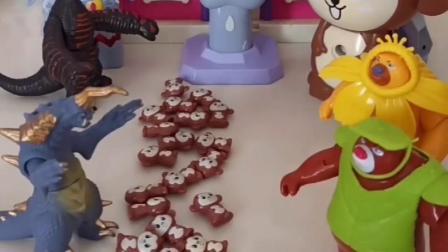 熊大熊二看见怪兽抓走了小猴子,猴妈妈想出好办法,没想到这不是冰激凌呀