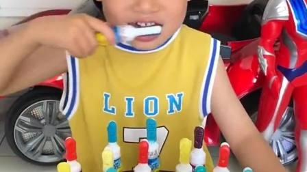 欢乐童年:哈哈,这是吃的糖,不是牙刷