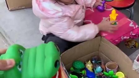 欢乐童年:我的玩具好看吗