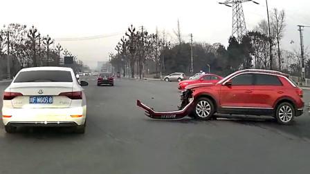 交通事故合集:高速路上遇见状况,切勿急打方向