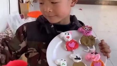 趣味童年:哈哈,小朋友表演的真给力