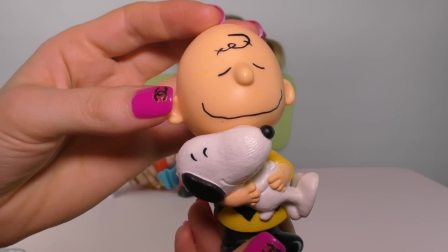 萌娃小可爱和妈妈一起玩玩具,这套玩具叫什么你知道吗