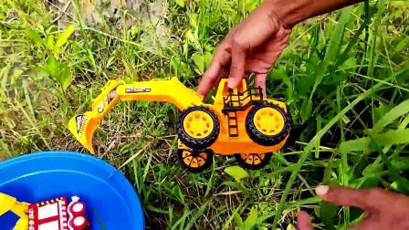 寻找工程车和小汽车玩具,拆箱巴士车玩具