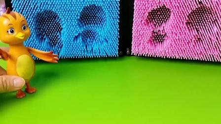 早教益智:小萌鸡们吃了糖果隐身了,怪兽找不到他们!