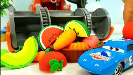 小汽车们一起来去采集好吃的蔬菜水果