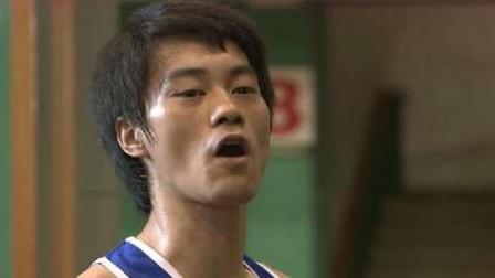 李小龙打拳击被嘲笑,不料竞赛刚开始,直截了当一拳打服众人