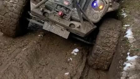 搭载V8发动机的牧马人,加高底盘越野之后,奔驰大G都躲在角落!