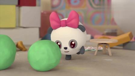 瑞奇宝宝:甜甜以为是球,结果却出现意外,让东西变成毛毛虫!