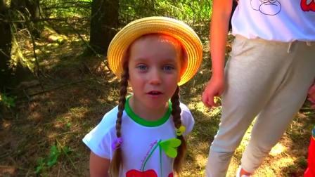 亲子萌宝,妈妈带着加比和艾利克斯在森林公园游玩,太有意思了