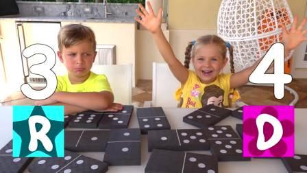 儿童亲子互动,小哥哥和妹妹玩国际象棋,好开心